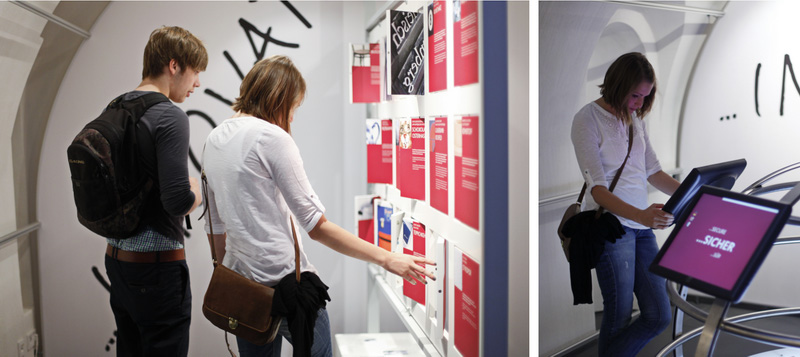 Ausstellungsdesign Drehtafelwand